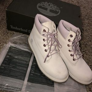 Timberland boots pale pink (Size 6 juniors)